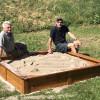 Neuer Sandkasten ist aufgebaut